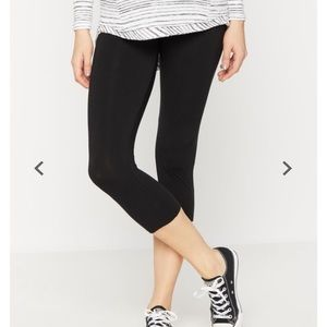 Maternity Leggings, black cropped.